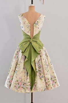 ♥the bow pretty outfits, beautiful outfits, gorgeous dress, cute outfits, Vestidos Vintage, Vintage 1950s Dresses, Vintage Outfits, Vintage Fashion, 1950s Party Dresses, Vintage Clothing, 1950s Fashion Dresses, Vintage Costumes, Pretty Outfits