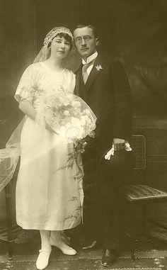 1920s bridal couple