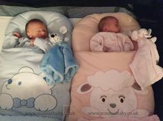 Three day old twins Henry and Poppy are loving their Nap Mats! What a pair of cuties they are, all comfy and side by side. :-) Thank you to mummy Kelly for sharing this adorable photo with us. • Find out more about Baby Nap Mats: https://nonnasbaby.co.uk/baby-nap-mats/