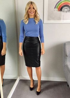 This Morning host Holly Willoughby is known for her figure-hugging pencil skirts and elegant fashion. Take a look at her best outfits from the show. Mode Outfits, Office Outfits, Fashion Outfits, Office Attire, Holly Willoughby Style, Holly Willoughby Outfits, Holly Willoughby This Morning, Outfits Damen, Black Leather Skirts