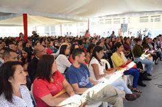 Caracas, 18.02.17 (Prensa MPPE).-Reforzar el proceso de formación pedagógica es una de las prioridades establecidas por el Presidente de la República Bolivariana de Venezuela, Nicolás Maduro Moros, para el sector educativo. Por esta razón, alrededor de ochocientos docentes se reunieron durante este sábado 18 de febrero en las instalaciones del emblemático Liceo Bolivariano Andrés Bello, ubicado en Caracas, para sostener un encuentro de participantes de la Micro Misión Simón Rodríguez de la…