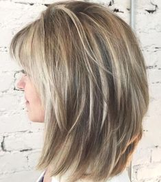 Voluminous Layered Bronde Lob laagjes 60 Best Variations of a Medium Shag Haircut for Your Distinctive Style Medium Shaggy Hairstyles, Medium Layered Haircuts, Haircuts For Long Hair, Medium Hair Cuts, Hairstyles Haircuts, Medium Hair Styles, Curly Hair Styles, Layered Hairstyles, Haircut Medium