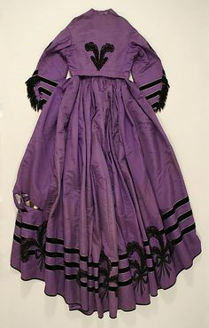 Dress    Date:      1863  Culture:      European  Medium:      silk