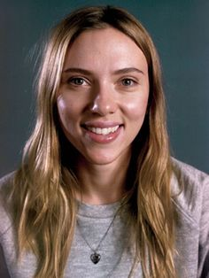 Scarlett Johansson without make up... She looks so young!