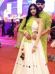 Party Wear Indian Dresses, Designer Party Wear Dresses, Indian Gowns Dresses, Indian Wedding Outfits, Fashion Show Dresses, Indian Fashion Dresses, Indian Designer Outfits, Girls Fashion Clothes, Fancy Dress Design