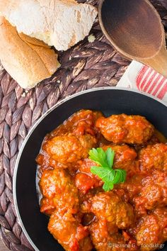 Meatballs in tomato, wine and cumin sauce