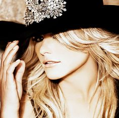 Miranda Lambert.-Love this crazy country girl..