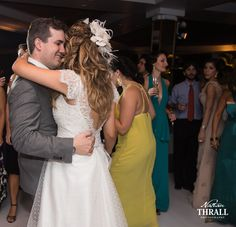 Noiva Roberta Schara/Foto: Nathan Thrall Photography/ Cerimônia e Festa: Clube Piraquê/ Data: 17/05/14