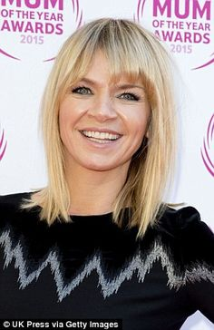 haar locken TV and radio presenter Zoe Ball says becoming a mother has been the making of her Bobbed Hairstyles With Fringe, Fringe Haircut, Side Bangs Hairstyles, Ball Hairstyles, Wavy Bob Hairstyles, Long Bob Haircuts, Hairdos, Blonde Hair With Fringe, Long Bob With Fringe