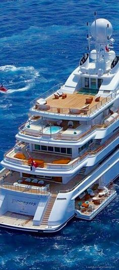 Luxury Yacht - LadyLuxury7
