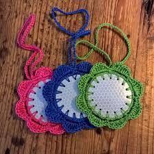 Kuvahaun tulos haulle heijastin askartelu lapsille Crochet Earrings, Crafts, Jewelry, Craft, Manualidades, Jewlery, Bijoux, Schmuck, Jewerly