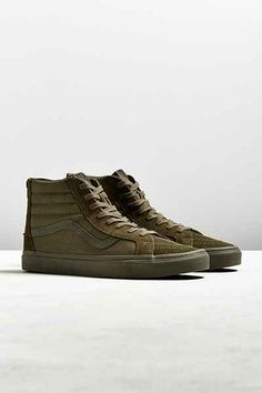 a90b60ada37 35 Best Modern and popular sneakers images | Popular sneakers ...