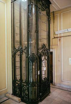 Art Nouveau Architecture, Beautiful Architecture, Art And Architecture, Architecture Details, Elevator Music, Elevator In House, Elevator Design, Roubaix, Sculpture Metal