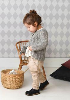 1702 Smårollinger. Strikket Lun Jakke Baby Strollers, Knit Crochet, Knitting, Children, Vintage, Crocheting, Decor, Dots, Bebe