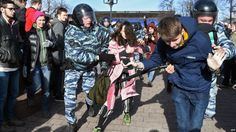 #world #news  Russian Filmmakers Urge Kremlin To Heed Young Protesters…  #StopRussianAggression @realDonaldTrump @POTUS @thebloggerspost