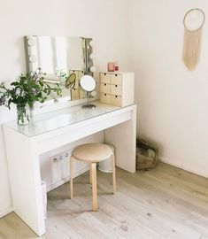 Clever Ways to Use Small Space for Dressing Table with mirror - Thehomehappy Dressing Table Design, Dressing Table Mirror, Brimnes Dressing Table, Makeup Vanity Case, Bedroom Decorating Tips, Ikea Drawers, Mirrored Bedroom Furniture, Shiplap Bathroom, Woman Bedroom