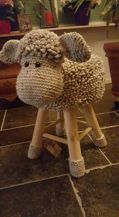 32 trendy Ideas for crochet amigurumi sheep animals Crochet Home Decor, Crochet Crafts, Yarn Crafts, Diy And Crafts, Crochet For Kids, Crochet Baby, Knit Crochet, Crochet Sheep, Crochet Amigurumi