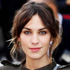 how come my messy updo just looks messy and Ms Alexa Chung makes it look soo chic!!