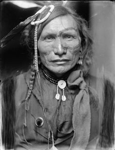 ✿ Iron White Man a Sioux Indian from Buffalo Bill's Wild West Show ~   by Gertrude Käsebier, ca. 1900 ✿