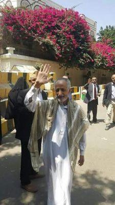 #موسوعة_اليمن_الإخبارية l الحوثيون يفرجون عن صحفي مختطف لديهم منذ أكثر من عام تقريباً (صورة)