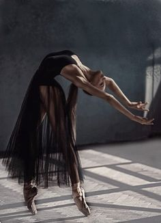 """May 2020 - """"The Body Says What Words Cannot. See more ideas about Ballet beautiful, Dance photography and Ballet dancers. Dance Photography Poses, Dance Poses, Ballet Pictures, Dance Pictures, Ballet Art, Ballet Dancers, Dance Movement, Ballet Beautiful, Just Dance"""