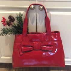 Stand out! ❤️Kate Spade Claverly Maryanne Patent Brand NEW Luxurious, gorgeous, authentic Kate Spade. I bought on vacation and haven't used. Still full of tissue. Needs a loving home in time for the holidays! NO TRADES. I'm trying to downsize. See photo for specifications. kate spade Bags Satchels