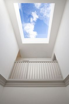 glass-roof-light-insertion-townhouse-interior-replanning14