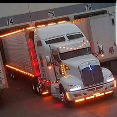Kenworth custom light show Heavy Duty Trucks, Big Rig Trucks, Heavy Truck, Semi Trucks, Cool Trucks, Rolling Coal, Volvo Trucks, Peterbilt Trucks, Custom Big Rigs