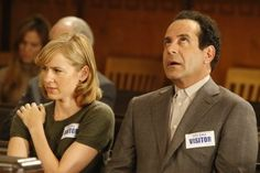 Tony Shalhoub and Traylor Howard in Monk Best Tv Shows, Favorite Tv Shows, Natalie Teeger, Detective Monk, Traylor Howard, Monk Tv Show, Adrian Monk, Girly Movies, Happy Movie