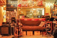 Located in Williamsburg, Brooklyn, Grand Street Recording is a musician's paradise. The walls are lined with an impressive array of vintage instruments, amplifiers, noisemakers, modulators, synthesisers and more. It is commonplace for top session players to come in and find they didn't need to bring anything at all, and most don't.
