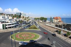 Primeira rotunda à entrada de Cascais quando se entra pela estrada marginal vindo pelo lado nascente (Lisboa)