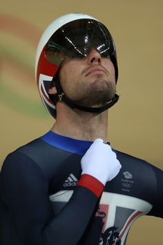 Mark Cavendish Sprint Race Rio Olympic Games 2016 Getty Images Track Cycling, Cycling Wear, Cycling Tips, Rio Olympics 2016, Summer Olympics, Rio Olympic Games, Mark Cavendish, Sprint Race, Bicycle Race