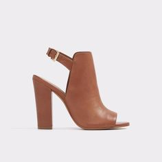 Noassa A haute look for transition season styling, peep-toe leather shootie has all the coverage of a bootie with a cool open-toe and heel for sunny days ahead.
