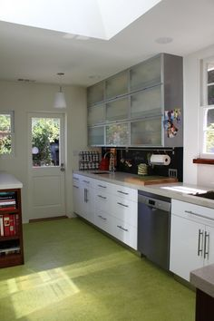 Kitchen Remodeling using bright bold colors Building Design, Building A House, Construction Group, Kitchen Remodeling, Bold Colors, New Homes, Kitchen Cabinets, Bright, Home Decor