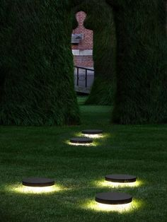 Here are outdoor lighting ideas for your yard to help you create the perfect nighttime entertaining space. outdoor lighting ideas, backyard lighting ideas, frontyard lighting ideas, diy lighting ideas, best for your garden and home Garden Lighting Diy, Pathway Lighting, Backyard Lighting, Garden Lamps, Lighting Ideas, Park Lighting, String Lighting, Club Lighting, Lighting Stores