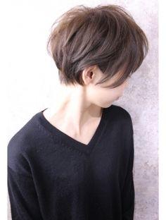 キャアリー(Caary) 福山市 ショートヘアの事ならCaaryへ♪♪ Medium Short Hair, Short Hair Cuts, Medium Hair Styles, Curly Hair Styles, Curly Hair Salon, Short Sassy Haircuts, Japanese Hairstyle, Playing With Hair, Haircut And Color