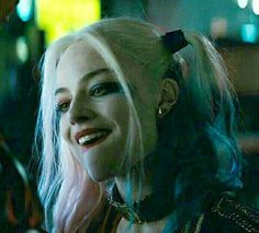 Arlequina Margot Robbie, Margo Robbie, Margot Robbie Harley Quinn, Harley Quinn Drawing, Harley Quinn Comic, Female Superheroes And Villains, Harely Quinn, Daddys Lil Monster, Dc Memes