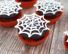 Easy spiderweb cupcakes| Cakegirls Step x Step
