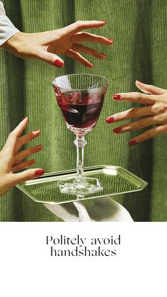 POSSESSIVE The Baccarat Wine Therapy set is your best ally for sharing moments with friends and enjoy a great party. A glass for each personality. Interesting editorial images and designs for The Indie Practice Still Life Photography, Creative Photography, Food Photography, Fashion Photography, Advertising Photography, Kings Of Convenience, Cocktail Photography, Foto Fashion, Style Fashion