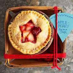 4th of July Party Favor: Apple-Berry Pie in a Jar
