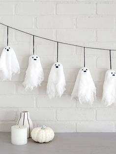 Cute with a bit of spook! Decorate with a DIY Halloween banner featuring these e… Cute with a bit of spook! Decorate with a DIY Halloween banner featuring these easy and kid-friendly mini ghosts. Halloween is almost here! Halloween Cans, Spooky Halloween Decorations, Halloween Prop, Homemade Halloween, Halloween Crafts For Kids, Outdoor Halloween, Halloween Party Decor, Halloween 2019, Diy Halloween Bunting