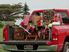 ♥♥♥ In Back Of A Red Pick Up  LOVE IT !!!!!!