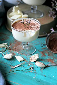 EASY WHITE CHOCOLATE MOUSSE WITH A HINT OF CHERRY BAILEYS
