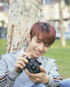 Discover recipes, home ideas, style inspiration and other ideas to try. Korean Entertainment Companies, Boyfriend Justin, My Bebe, Fantasy Art Women, Mark Nct, Pewdiepie, Hottest Photos, Pop Group, Boyfriend Material