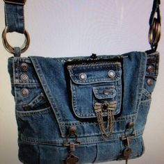 Denim Tote Bags, Denim Purse, Jean Purses, Purses And Bags, Mode Jeans, Denim Ideas, Boho Bags, Fabric Bags, Handmade Bags