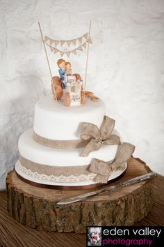 wedding cake ideas, shabby chic, rustic wedding, farmer wedding cake, tractor wedding cake