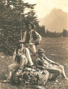 Historical Pictures, Westerns, Character Design, Highlanders, Culture, Costumes, Traditional, History, Couple Photos
