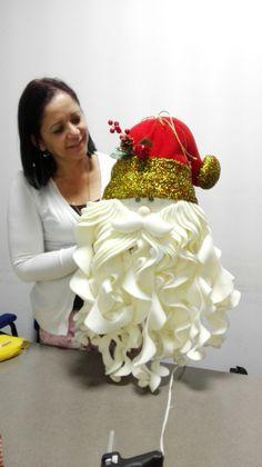 Ideas Para, Crown, Molde, Christmas Wreaths, Covering Chairs, Snow, Holiday Ornaments, Papa Noel, Corona