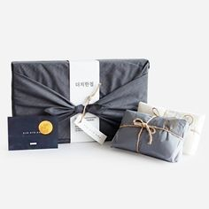 Find token of appreciation you just wrap, gift baggage, souvenir keywords, flags and everything you need to keep almost everything organized Fruit Packaging, Brand Packaging, Packaging Design, Packaging Ideas, Furoshiki Wrapping, Gift Wrapping, Japanese Wrapping, Dog Branding, Gift Store