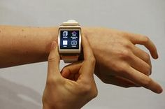 Samsung Unveils Galaxy Gear Smartwatch Electronics Giant Opens New Front in Tech Battle Over 'Wearable' Devices